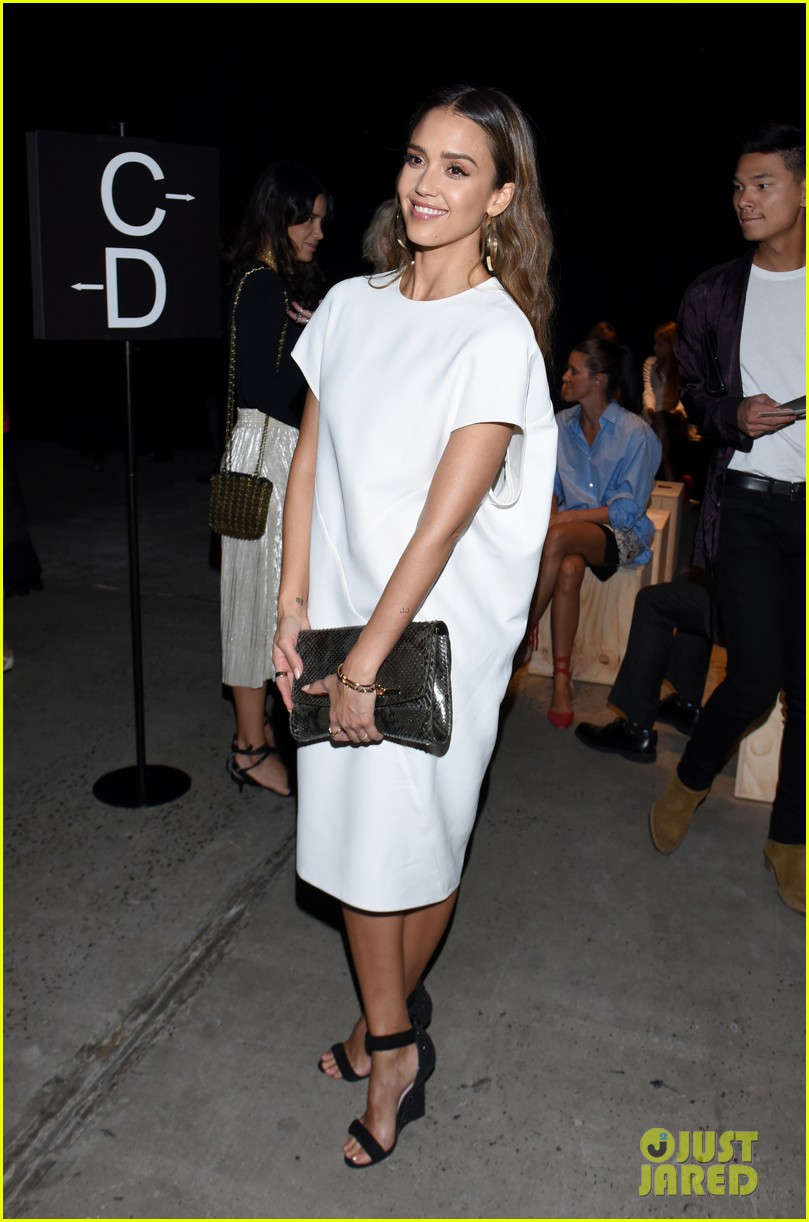 Full Sized Photo of jessica alba continues her nyfw fun ...