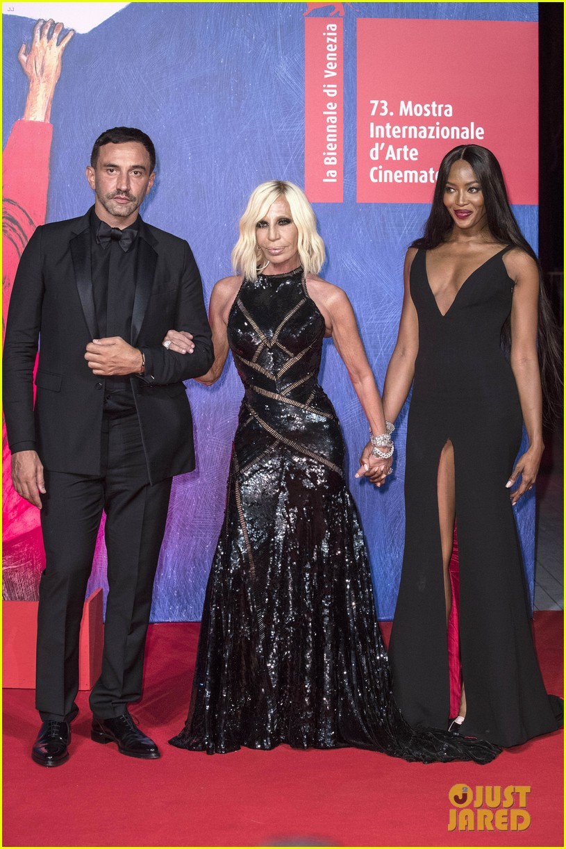 naomi campbell joins fashion elite at venice film festival 01