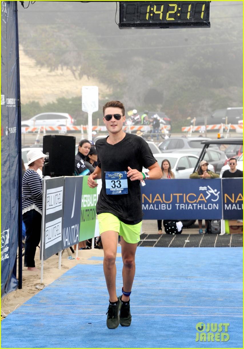 james marsden zac efron among celebs malibu triathlon 493763412