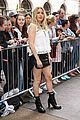 ellie goulding pulls double duty during london fashion week 06
