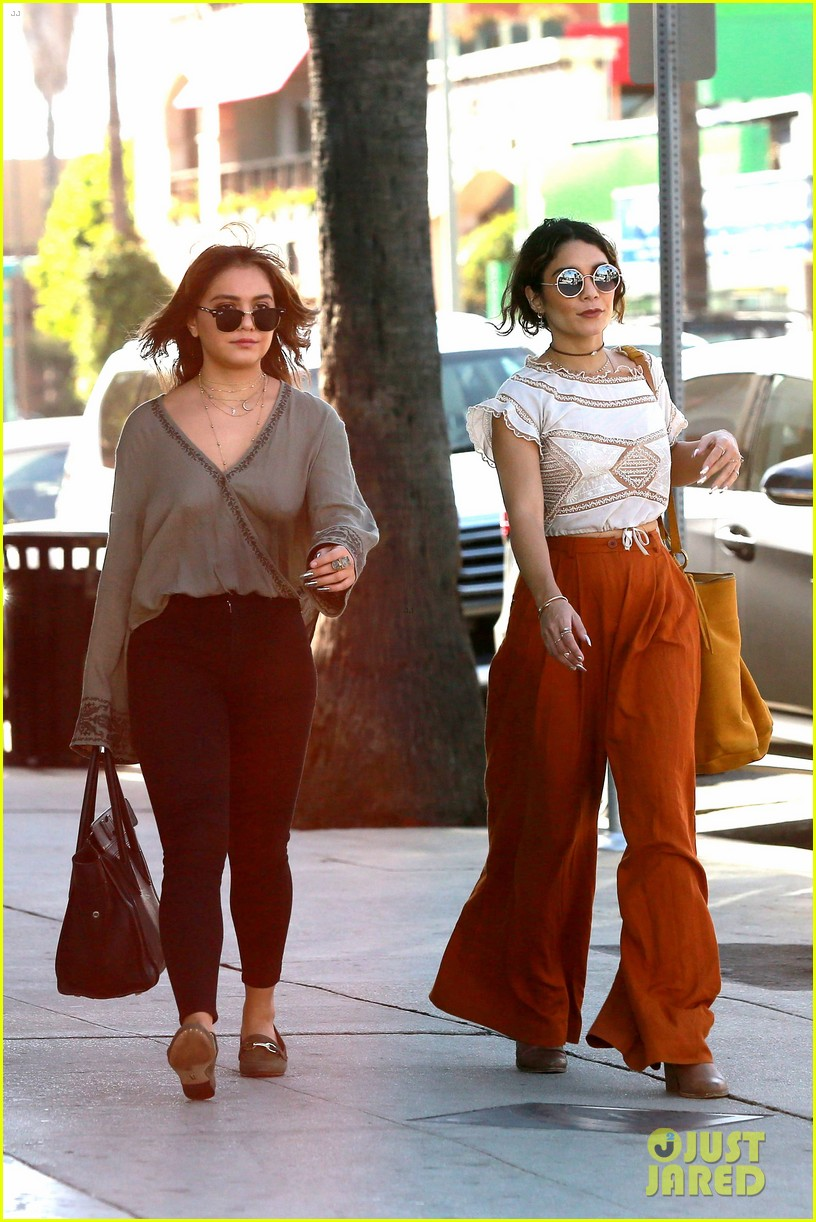 Hudgens Hippie Style Coffee Clothes Happiness Celebrity Style Crush Hippie Style Vanessa