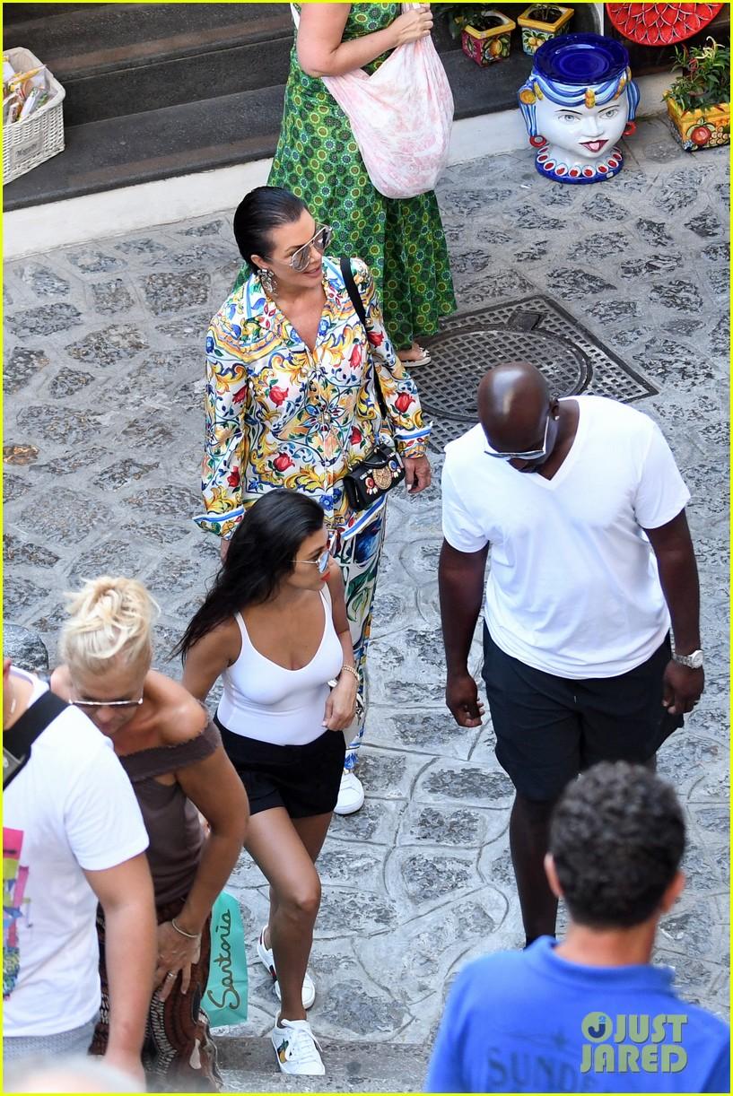 kourtney kardashian kris jenner capri vacation 053749575