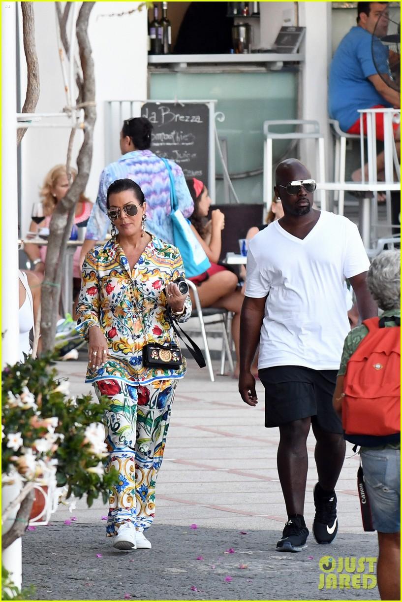 kourtney kardashian kris jenner capri vacation 273749597