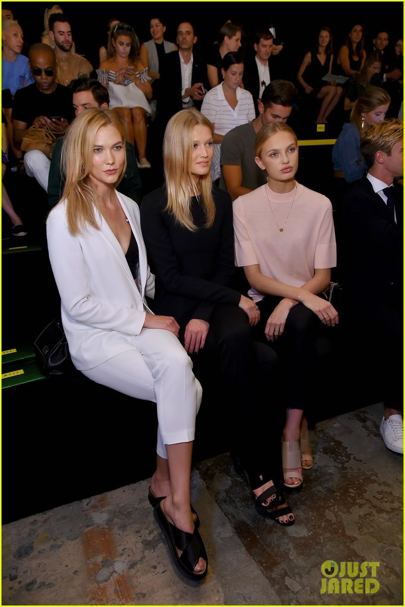 Karlie Kloss Amp Toni Garrn Sit Front Row At Boss Nyfw
