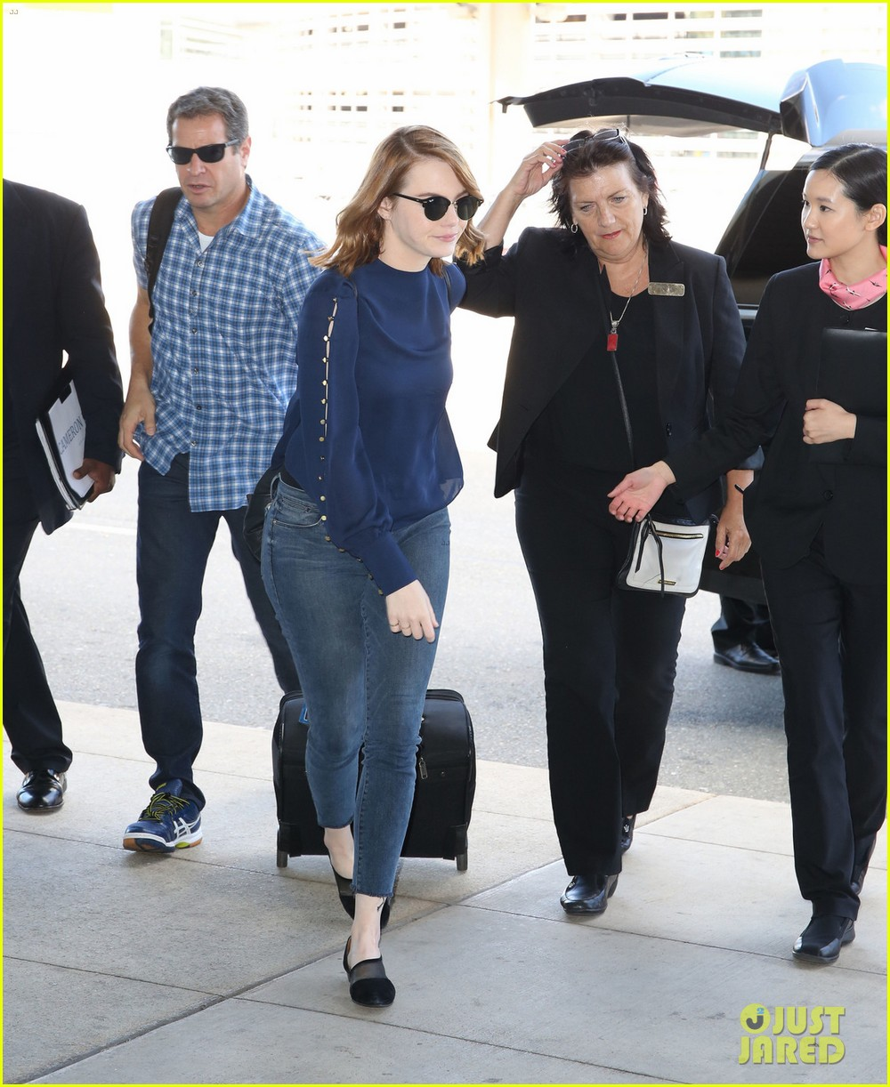 Emma Stone, Ryan Gosling, Kate Hudson, & More Fly Out Of
