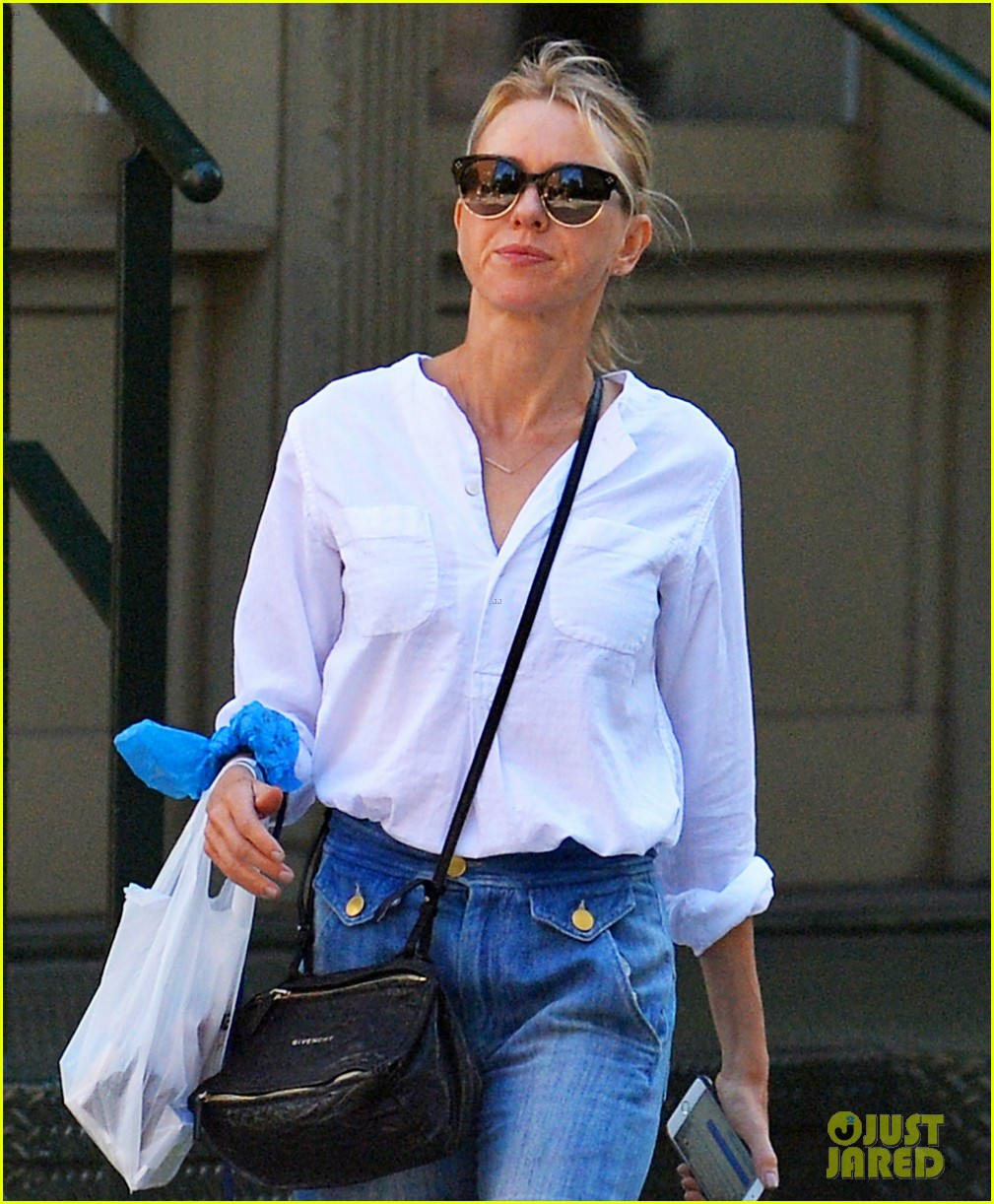 naomi watts doesnt want to leave her couch after back to back film festivals 073757987