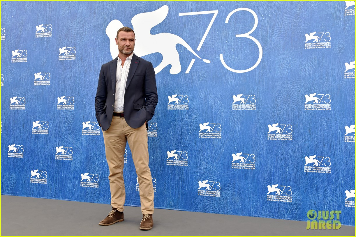 naomi watts throws it back to first venice film fest experience 113747869