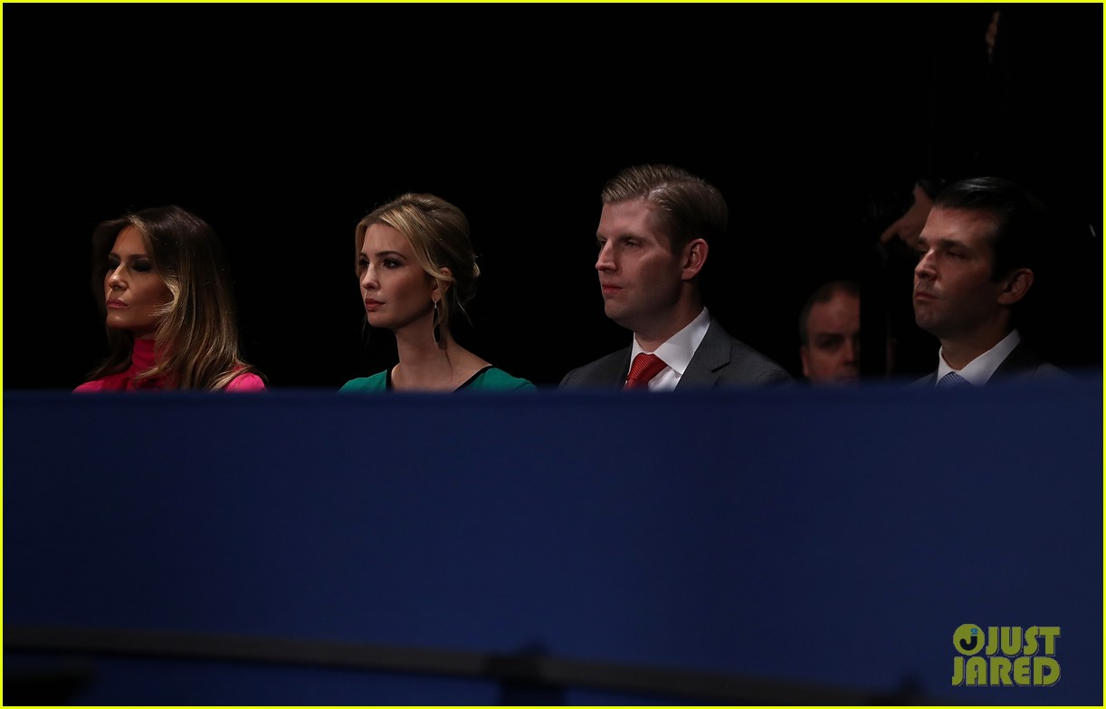hillary clinton donald trumps families support at debate 2016 23