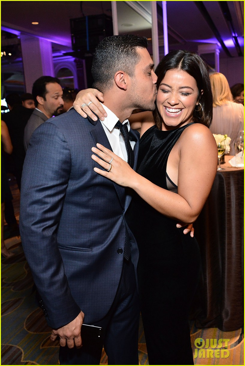 gina rodriguez wilmer valderrama plaey center tribute to hispanic achievements 023793442