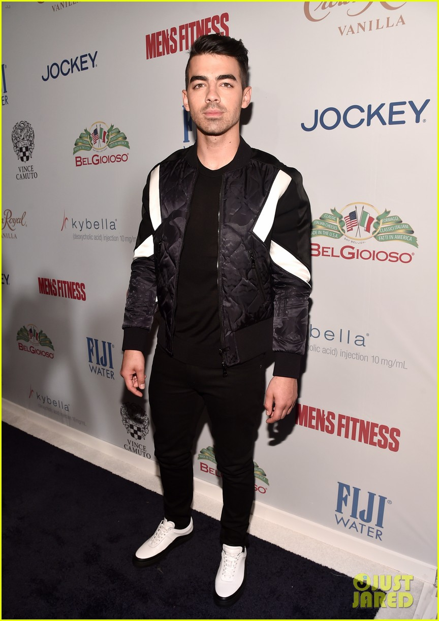 joe jonas james maslow mens fitness party 02