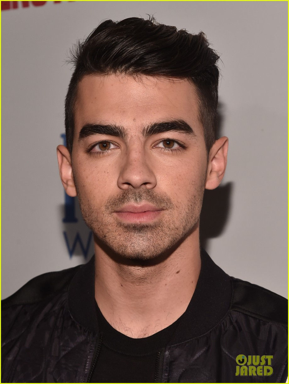 joe jonas james maslow mens fitness party 073782969