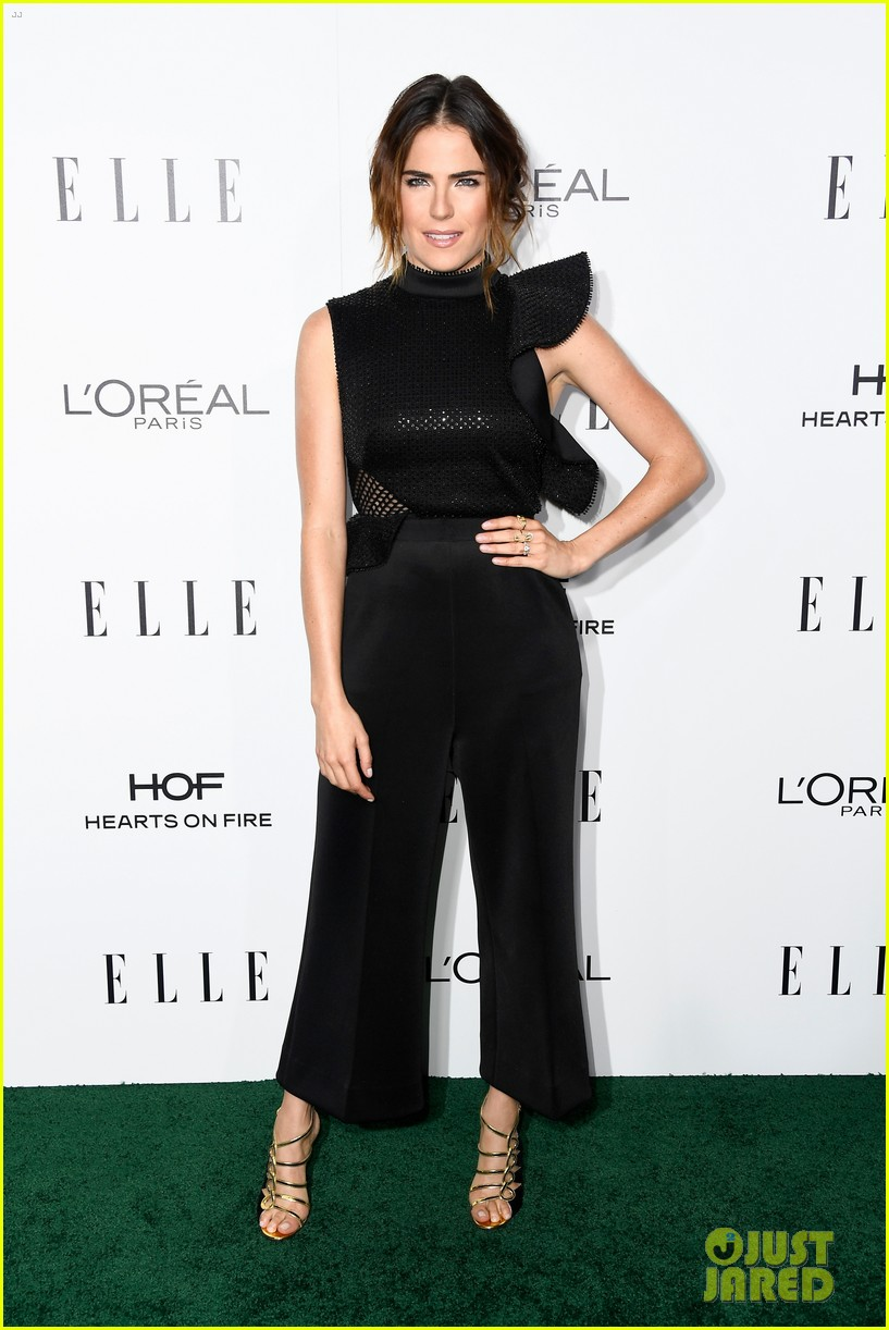 felicity jones and aja naomi king honored at elle women in hollywood awards3 023792870