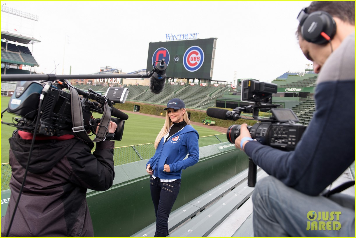 Jenny McCarthy Hosts Radio Show From Wrigley Field Before ...