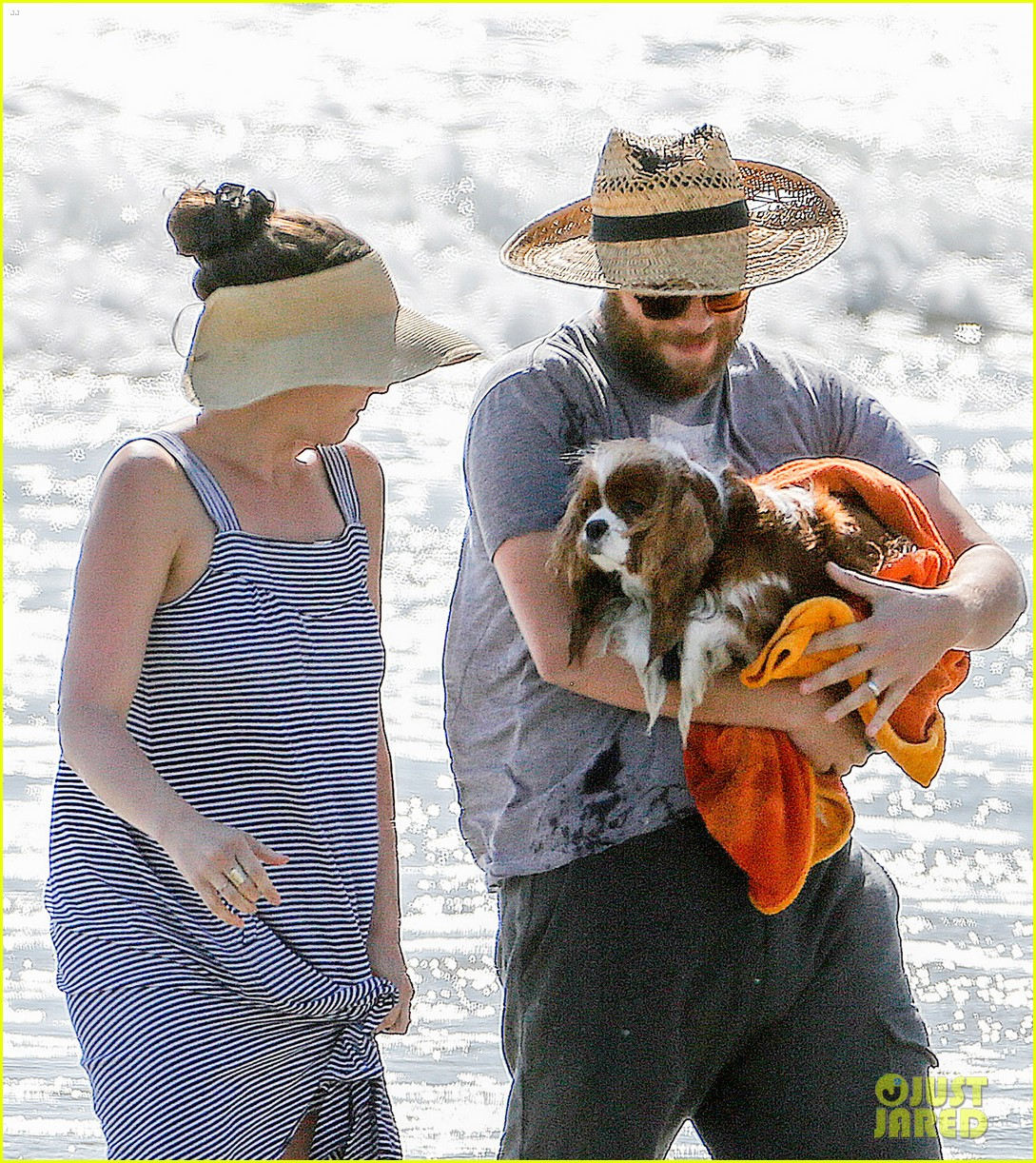 Seth Rogen & Wife Lauren Miller Take Their Dog for a Dip in the ...
