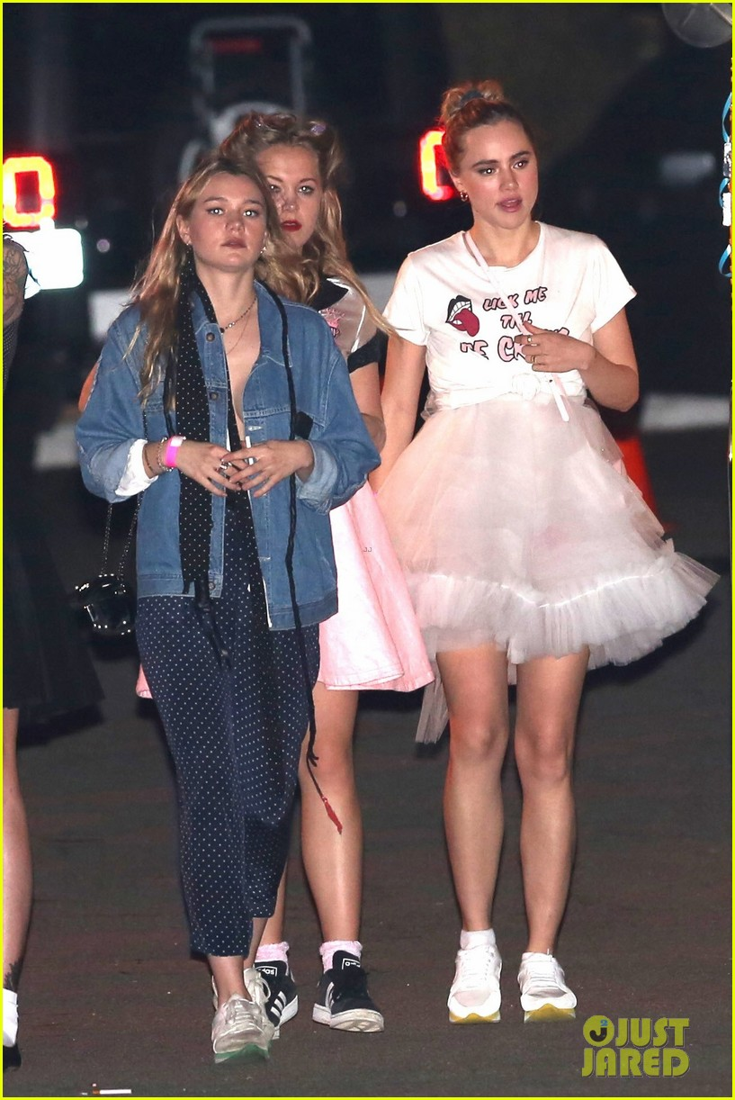 suki waterhouse 50s halloween katy perry 043797593