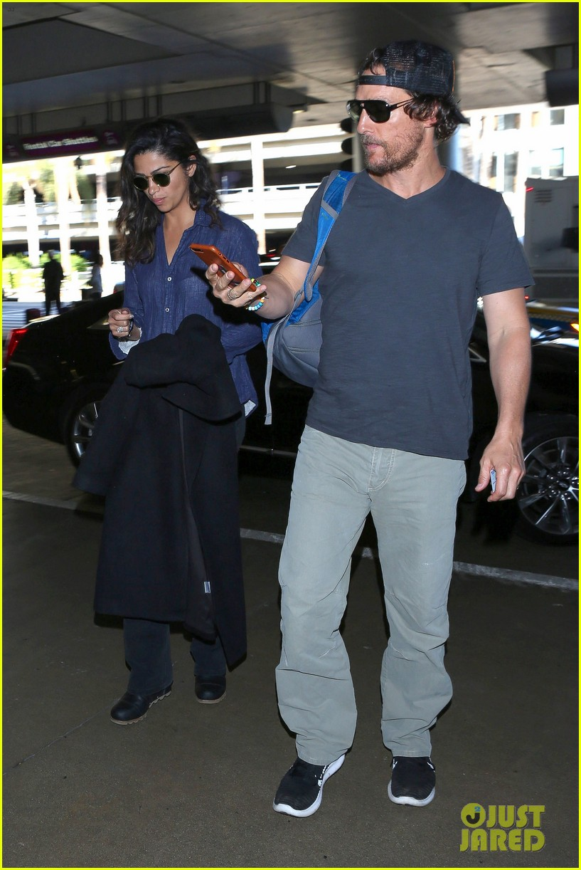 matthew mcconaughey camila alves step out for date night in nyc 103809698