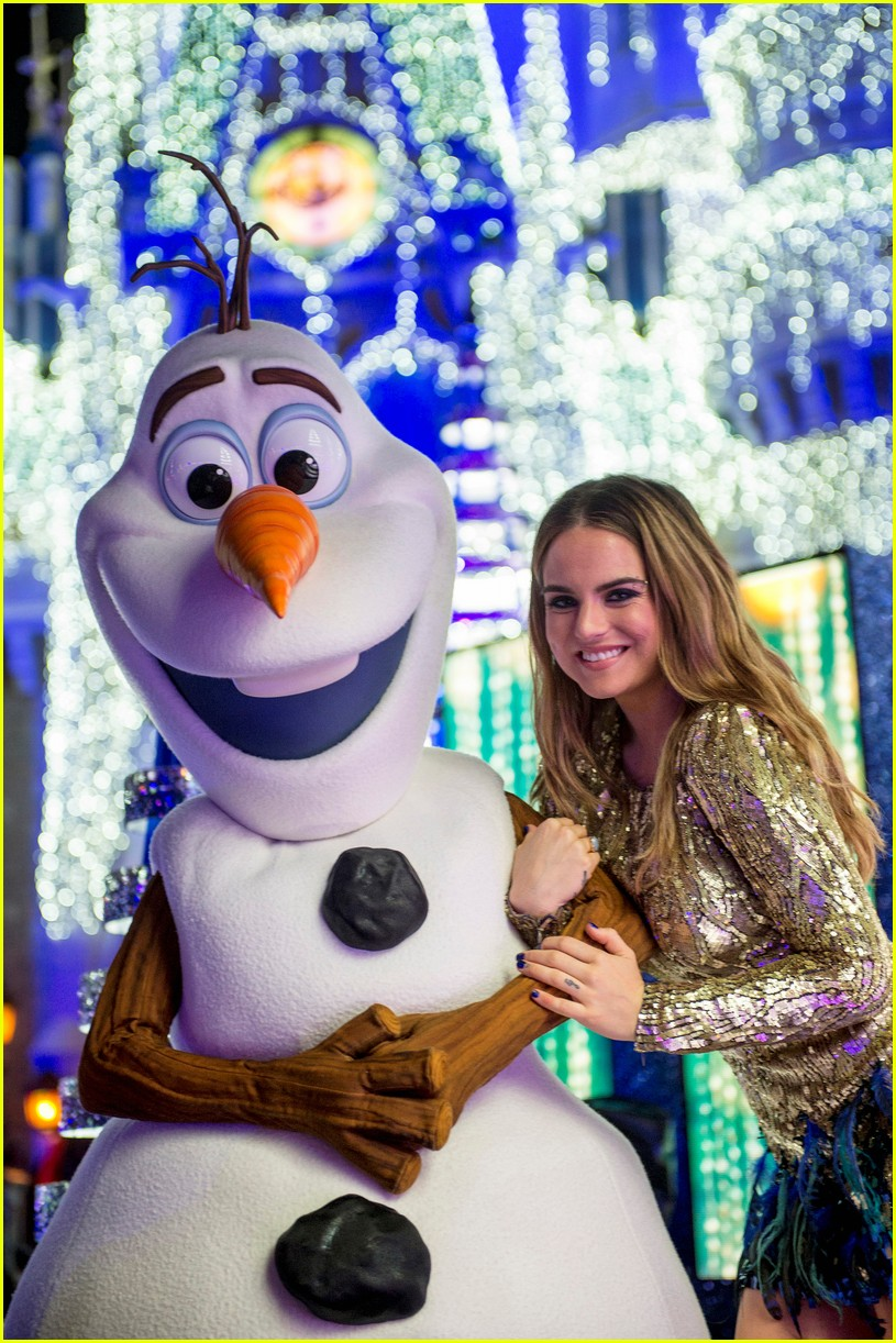 disney holiday celebration special 2016 full performers list 023814942