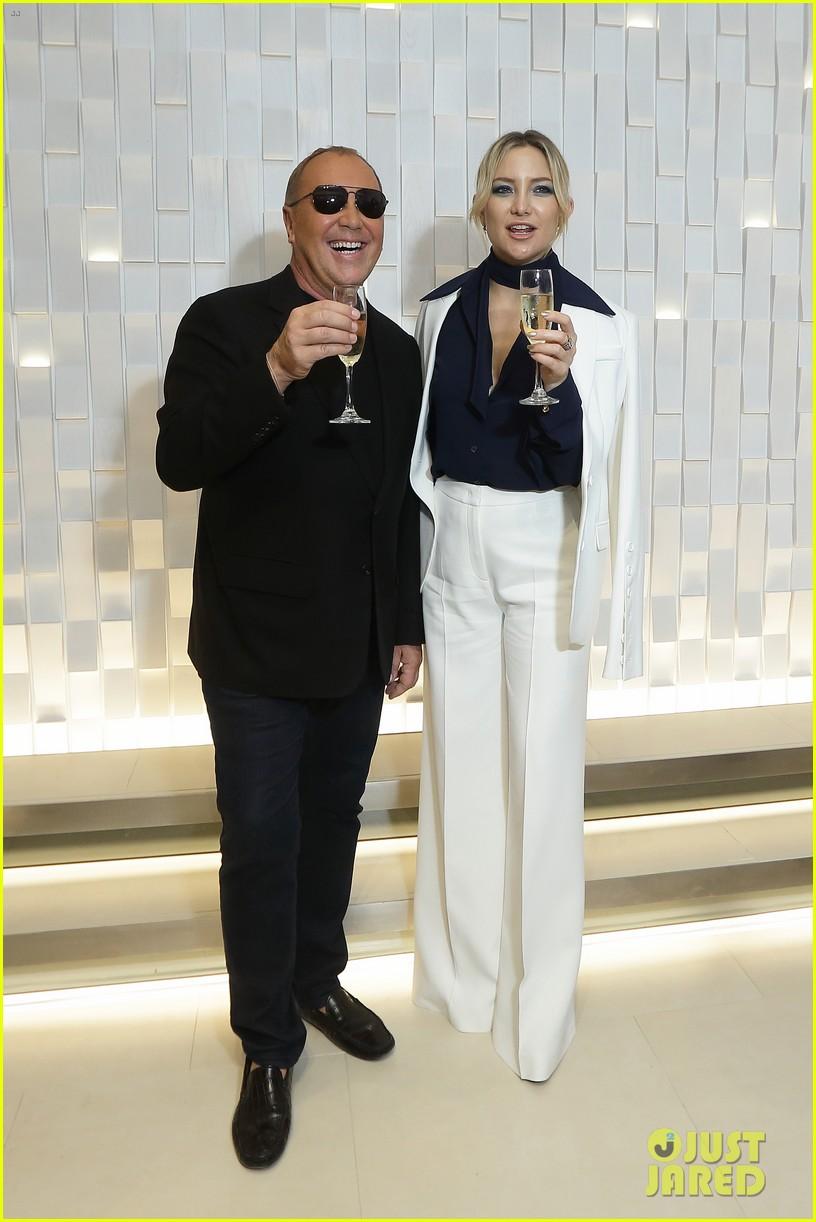 kate hudson michael kors toast to opening of mandarin gallery flagship opening 013809827