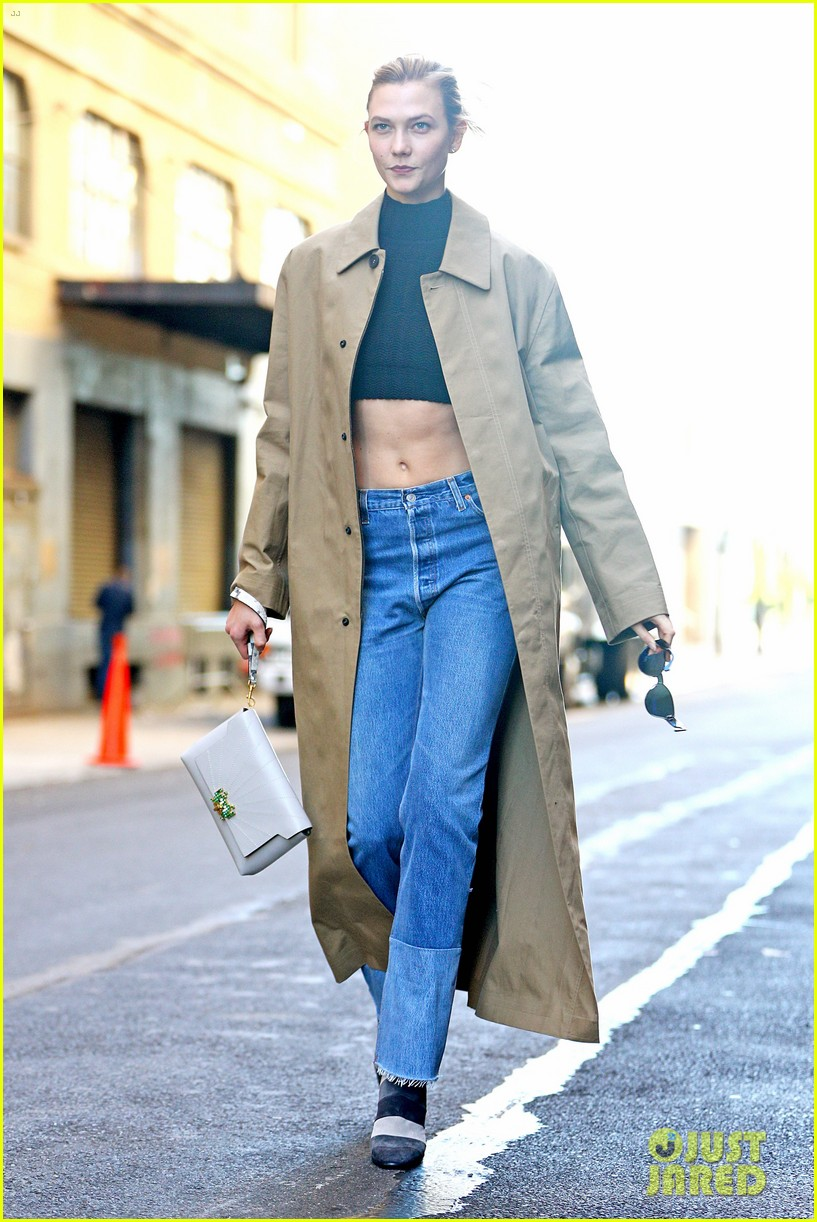 karlie kloss shows off her killer abs in nyc 08