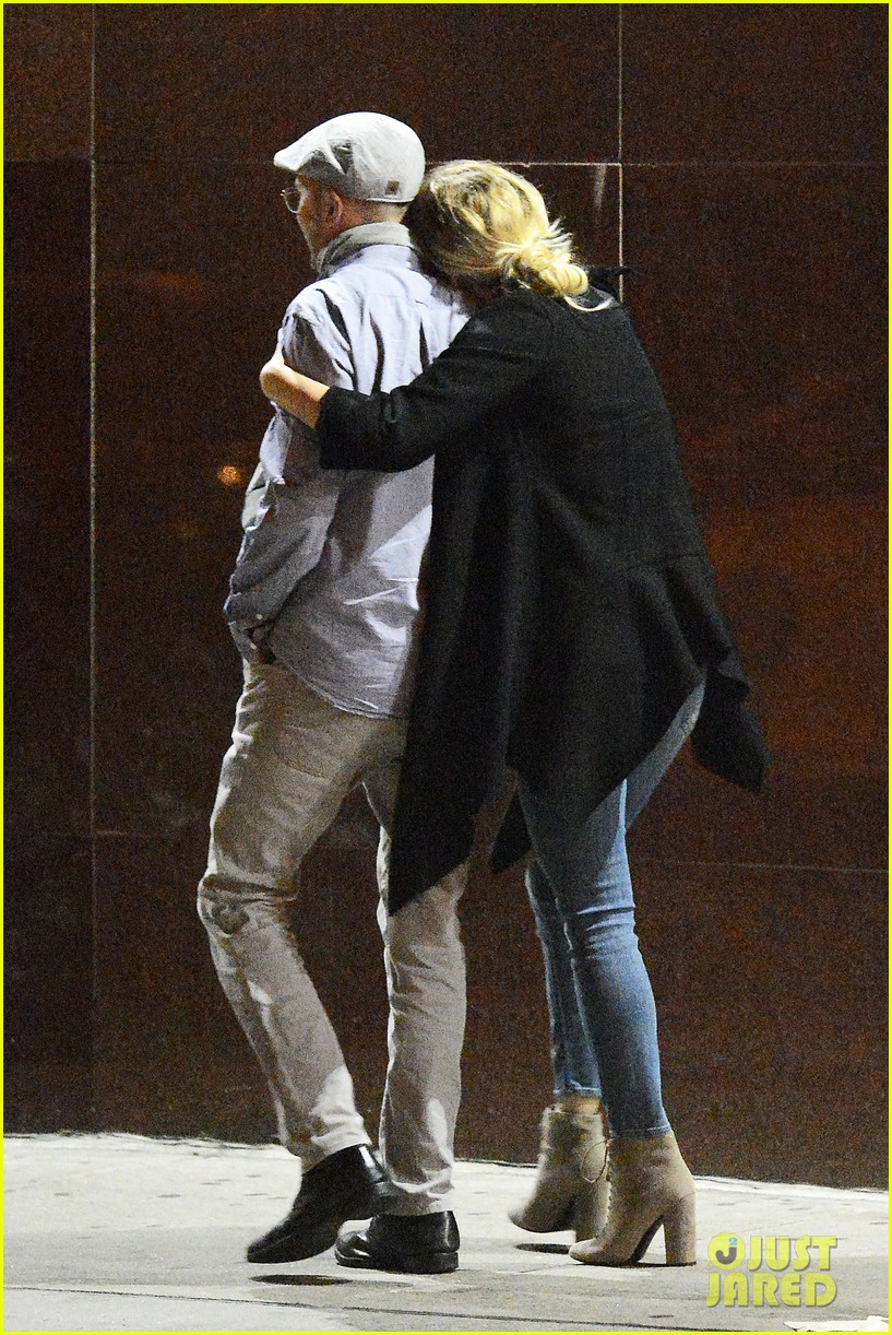 jennifer lawrence darren aronofsky kiss pda photos 033802221