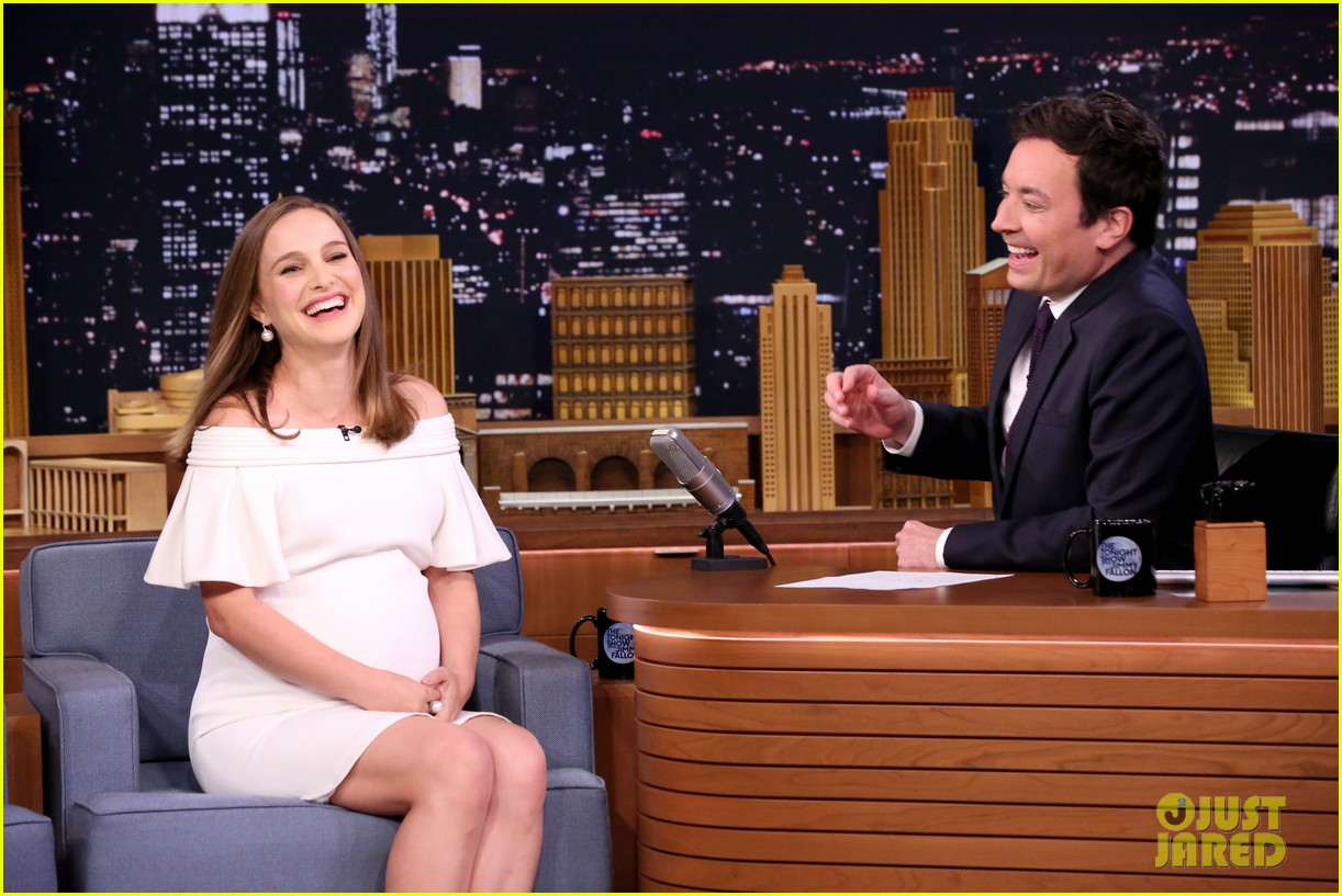 natalie portman is not as pregnant as she looks i have months to go 04