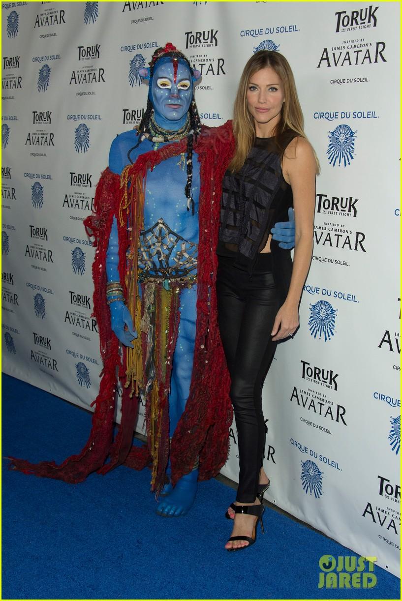 Zoe Saldana Gets in 'Avatar' Spirit at Cirque du Soleil's Toruk ... Zoe Saldana