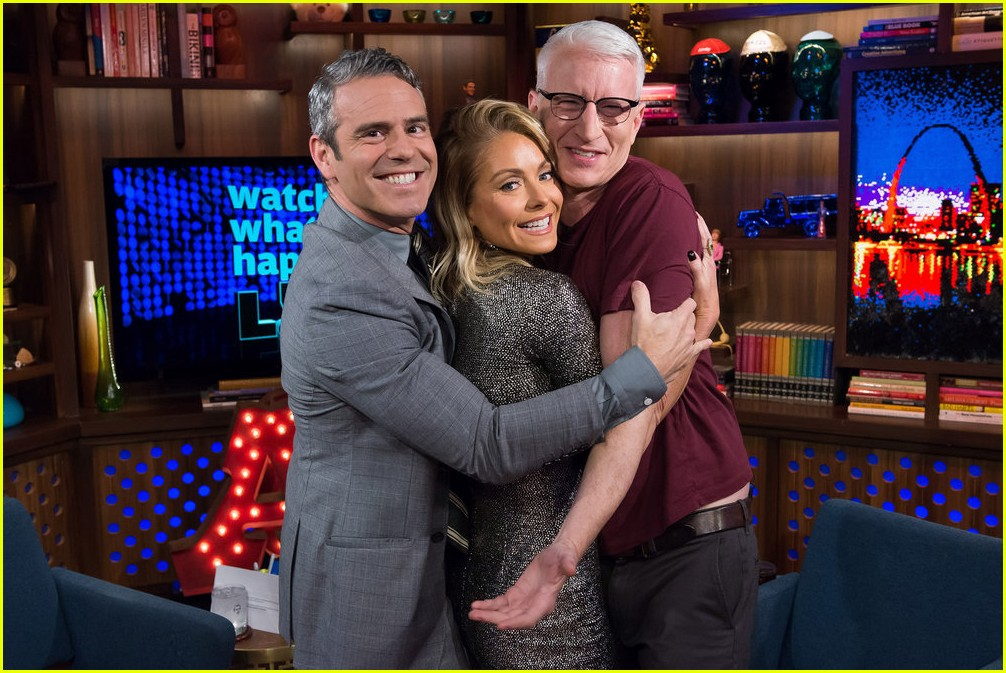 anderson cooper reveals why he never dated andy cohen 013819203