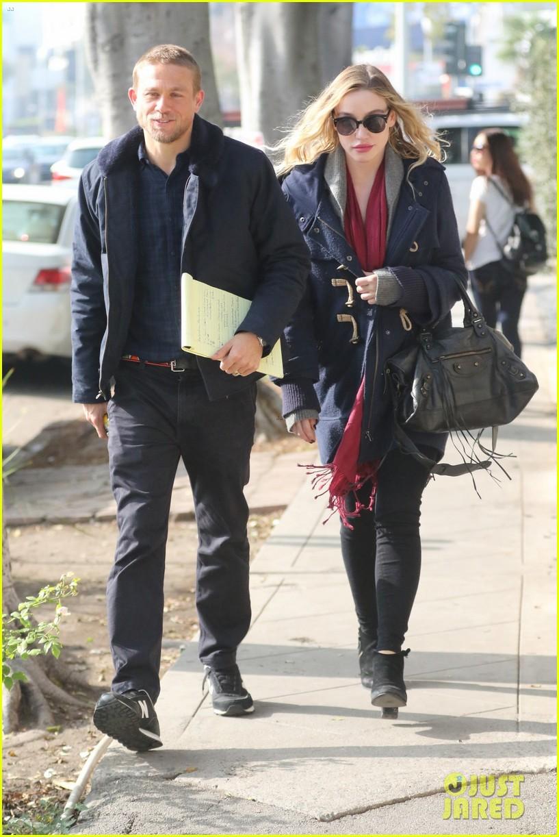 Charlie Hunnam Debuts Short Haircut With Girlfriend Morgana Mcnelis Photo 3825210 Charlie Hunnam Morgana Mcnelis Pictures Just Jared