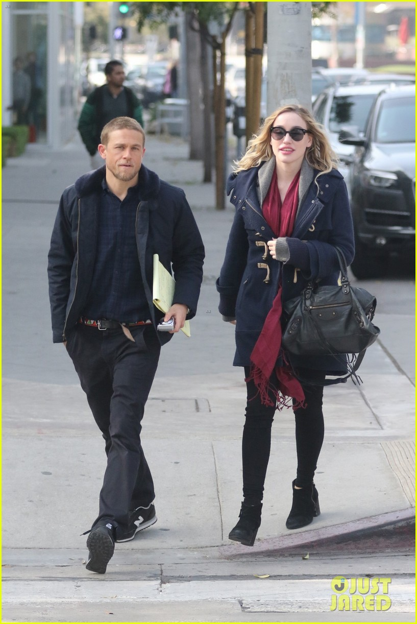Charlie Hunnam smartens up for lunch with Morgana McNelis