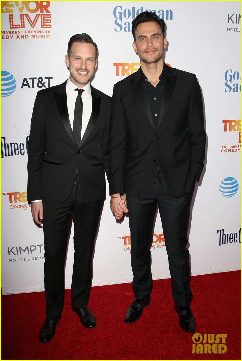 cheyenne jackson kelly osbourne kathryn hahn hit the stage at trevor projects trevorlive 013821299