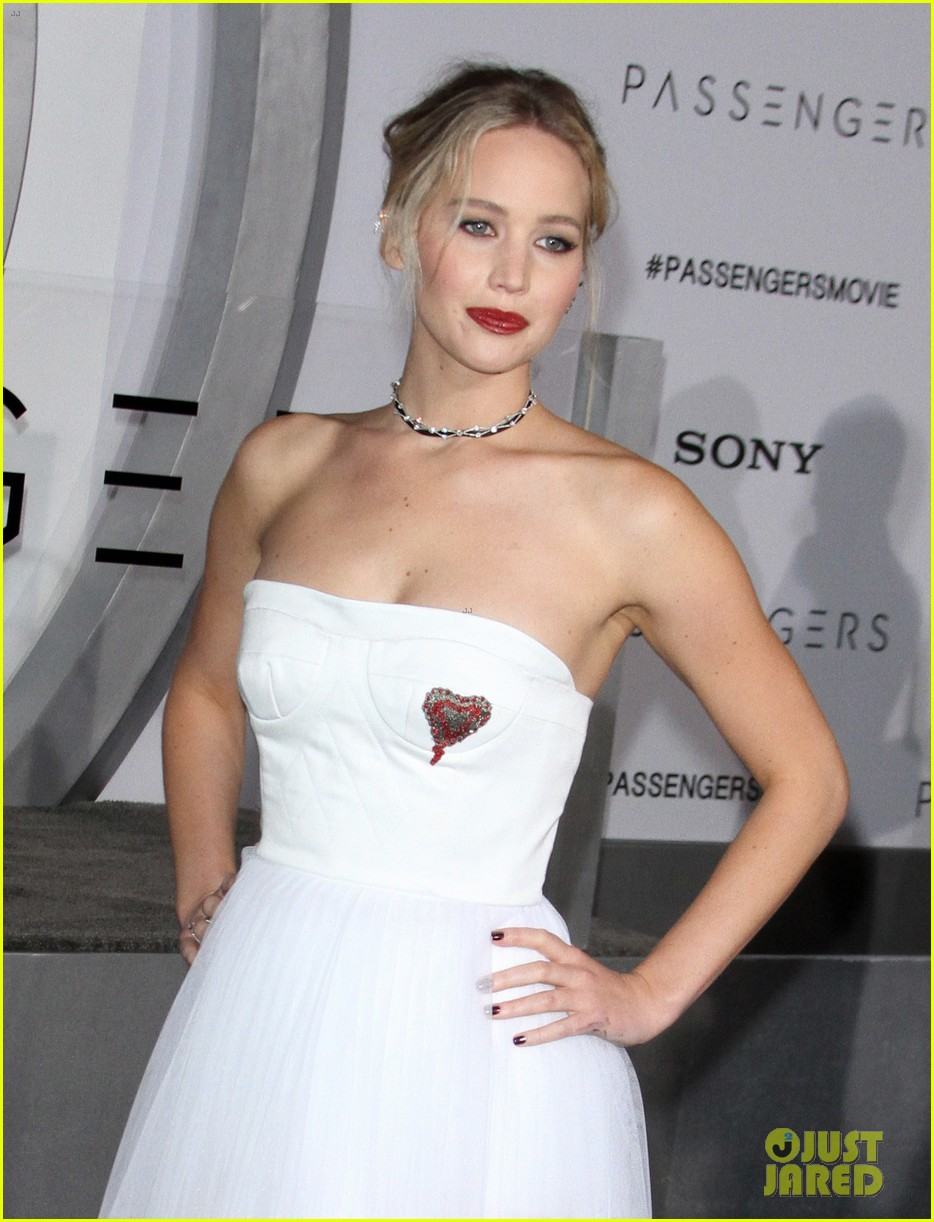 jennifer lawrence passengers premiere los angeles 023828372