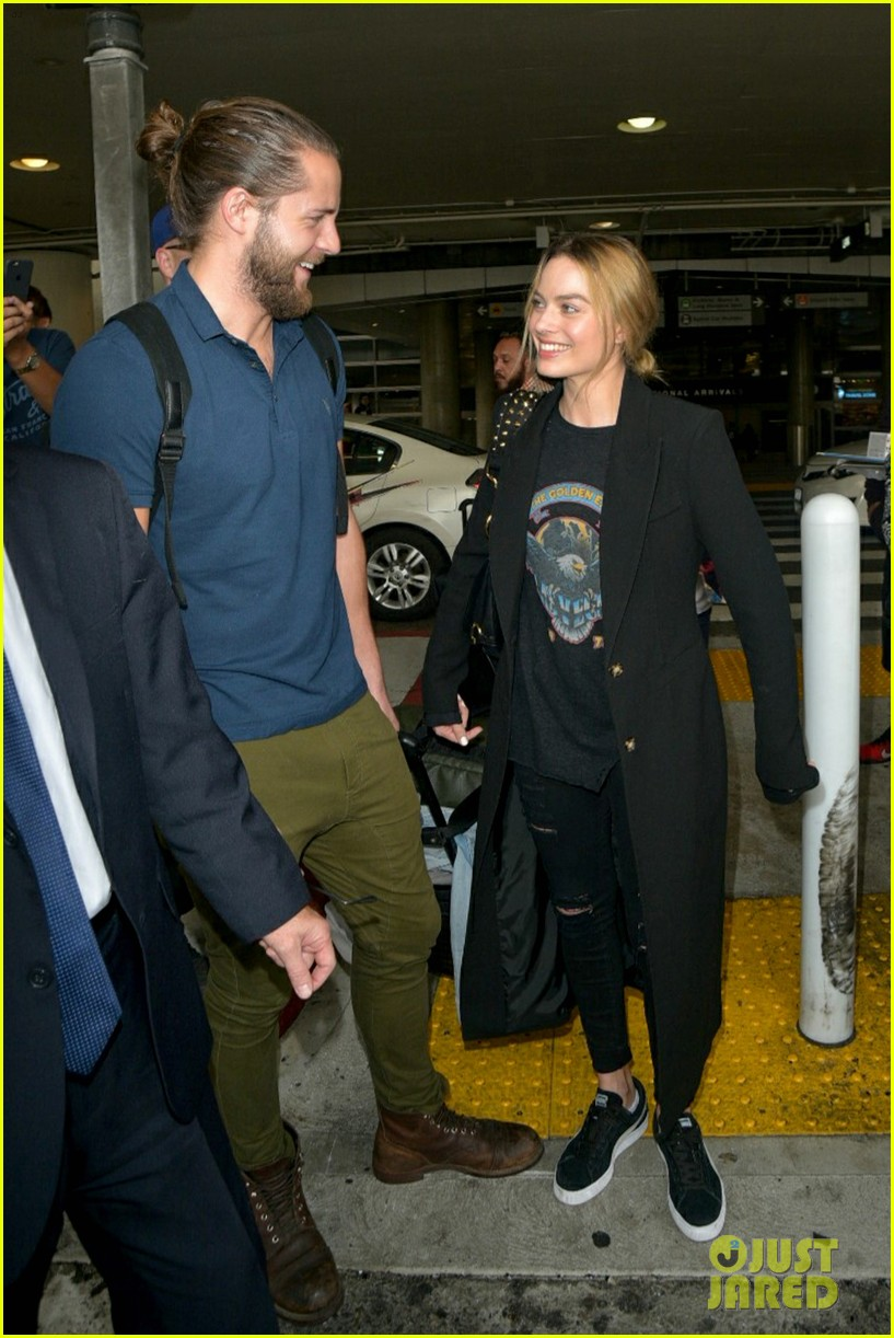 Margot Robbie Reportedly Has Married Tom Ackerley!: Photo 3830236 ...