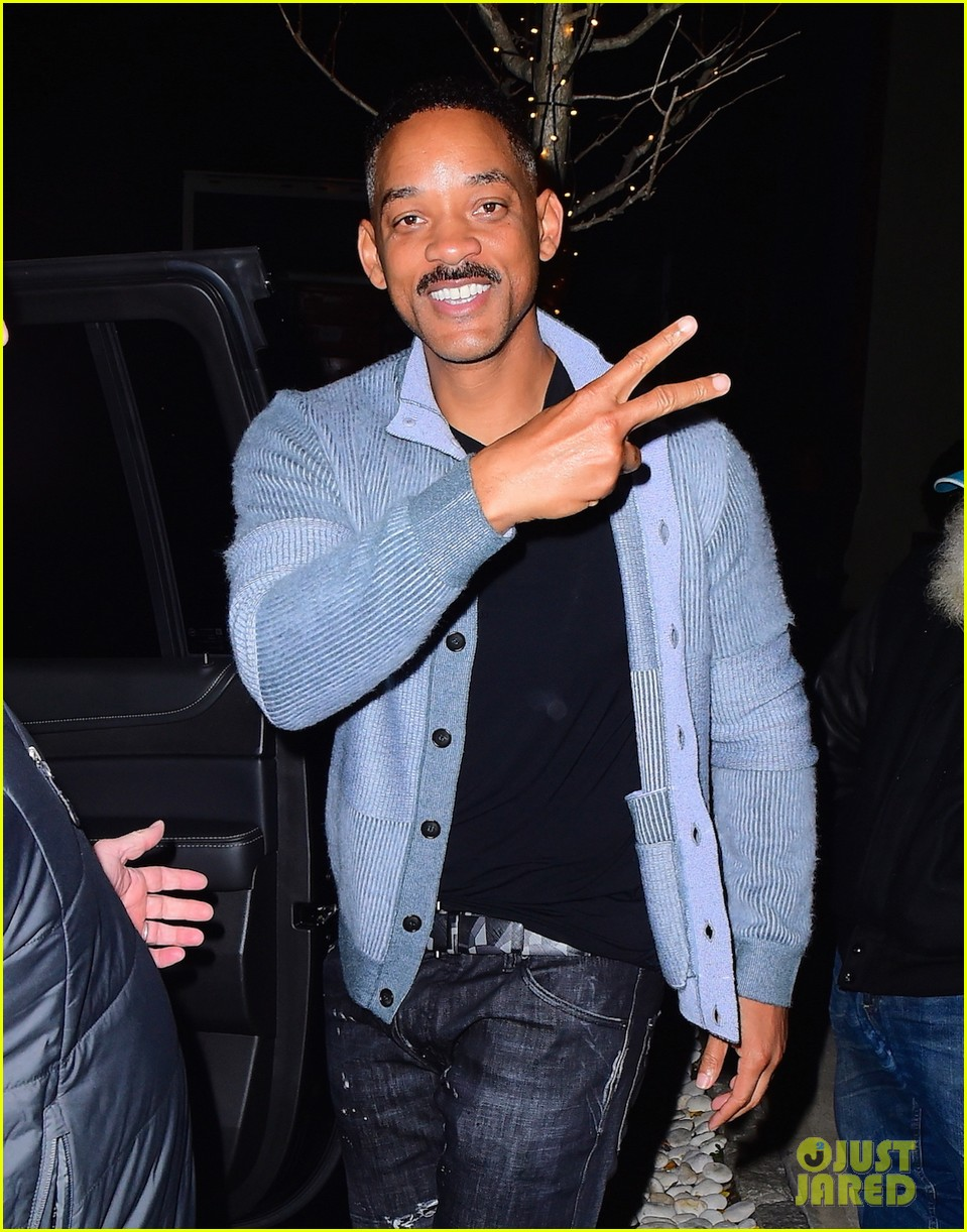 will smith greets fans outside of nyc hotel 043819369