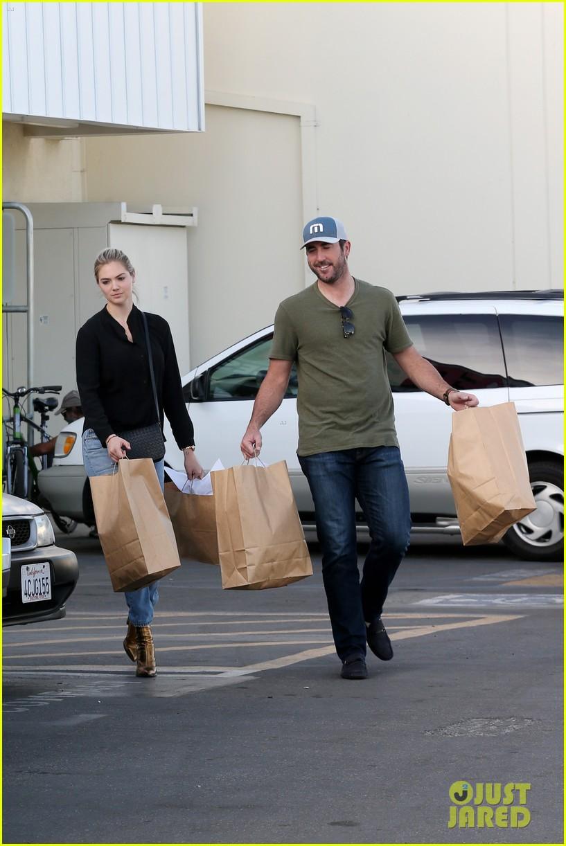 Kate Upton & Fiance Justin Verlander Buy Amazing Beverly Hills Home