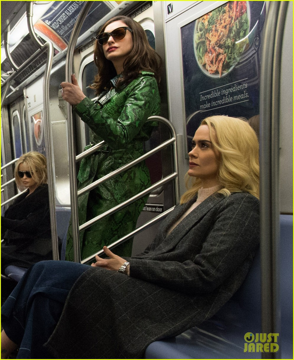 first oceans eight photo cast riding the subway 053850220