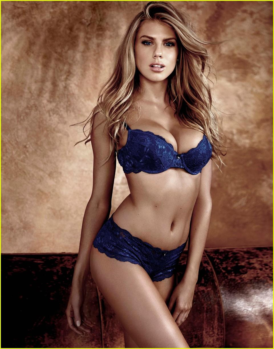Ashley Greene : la bombe de Twilight parle de ses photos nues