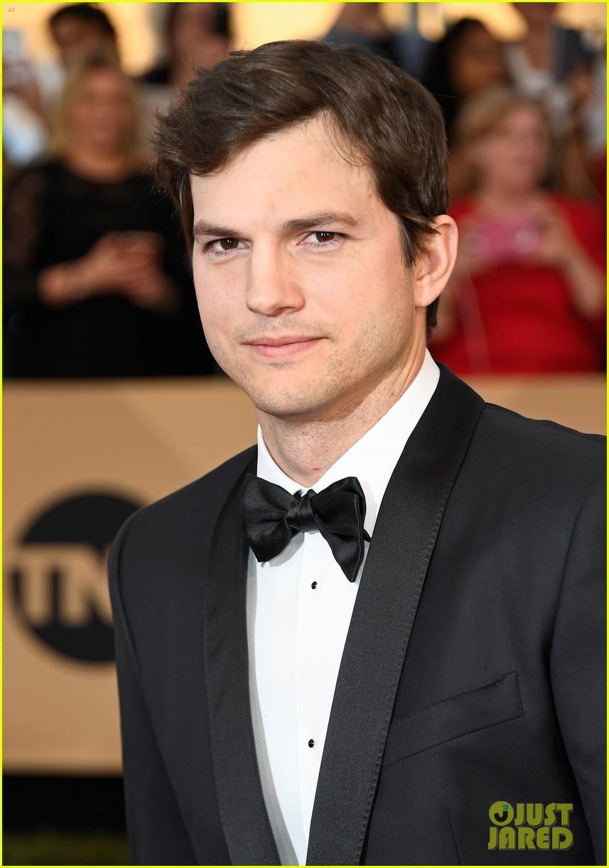 Ashton Kutcher Calls Out Immigration Ban at SAG Awards ... Ashton Kutcher Mila Kunis