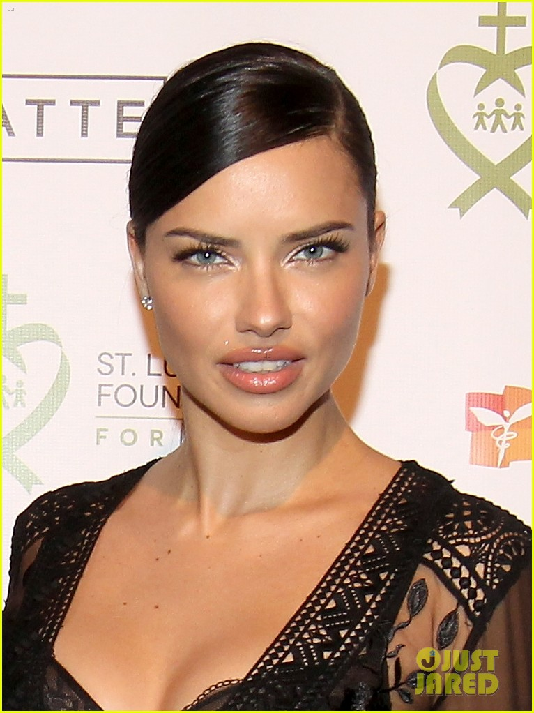 adriana lima positive message to young girls just embrace yourself 083841137