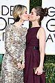 sarah paulson amanda peet describe kiss 03
