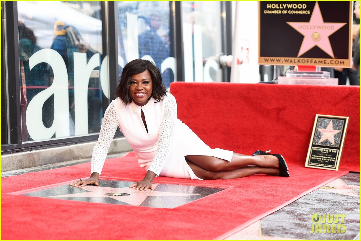 viola davis receives star on hollywood walk of fame 03