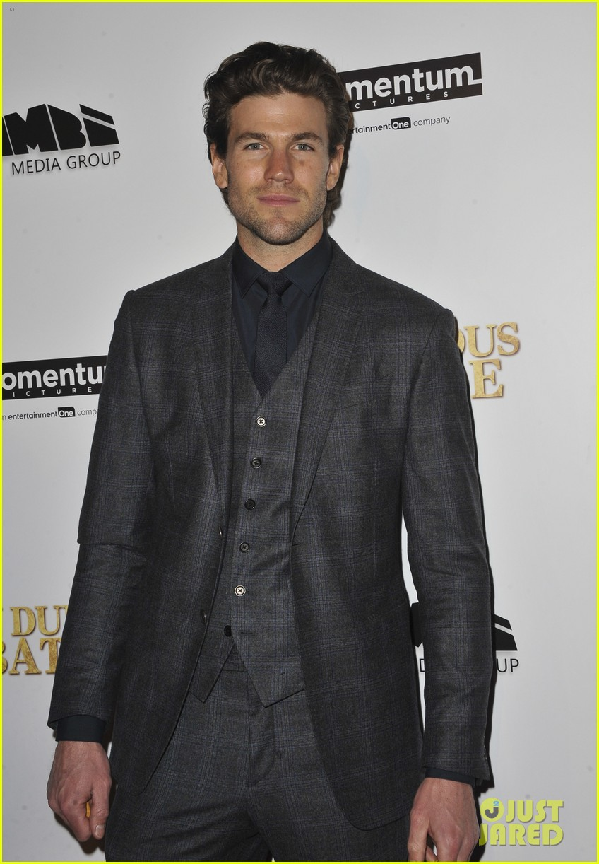 james franco ashley greene austin stowell bring in dubious battle to hollywood 023861011