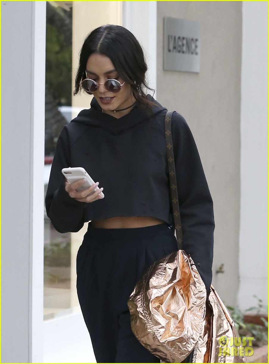 vanessa hudgens will star in romantic comedy the pre nup 013866091