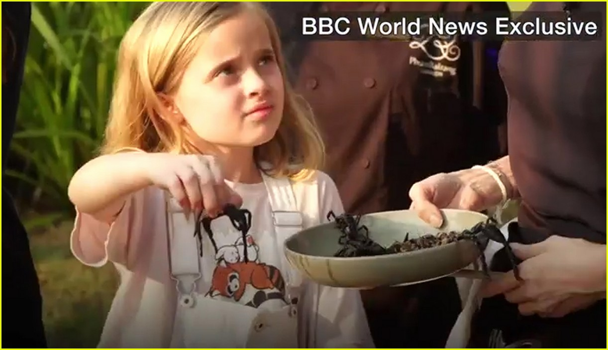 angelina jolie eats spiders insects with her kids 01