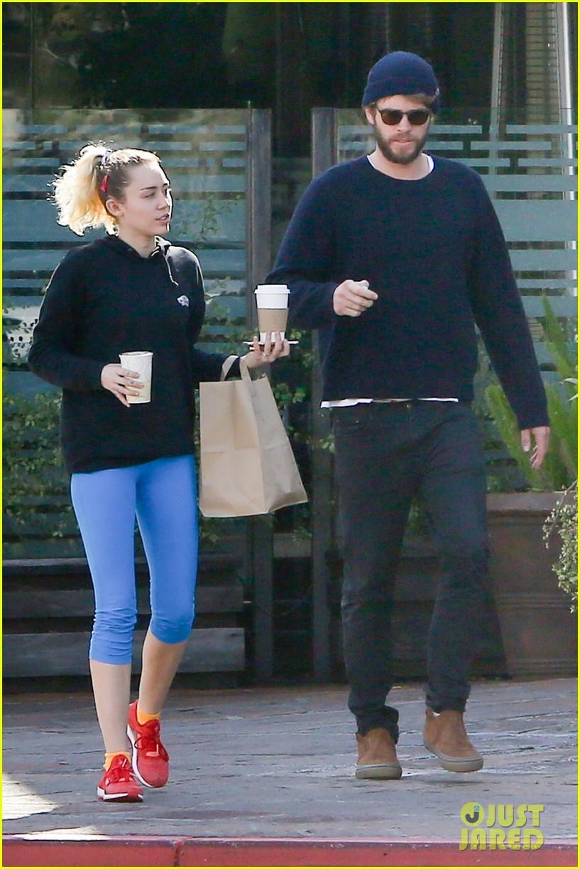 Liam Hemsworths rebound fling Eiza   Daily Mail Online