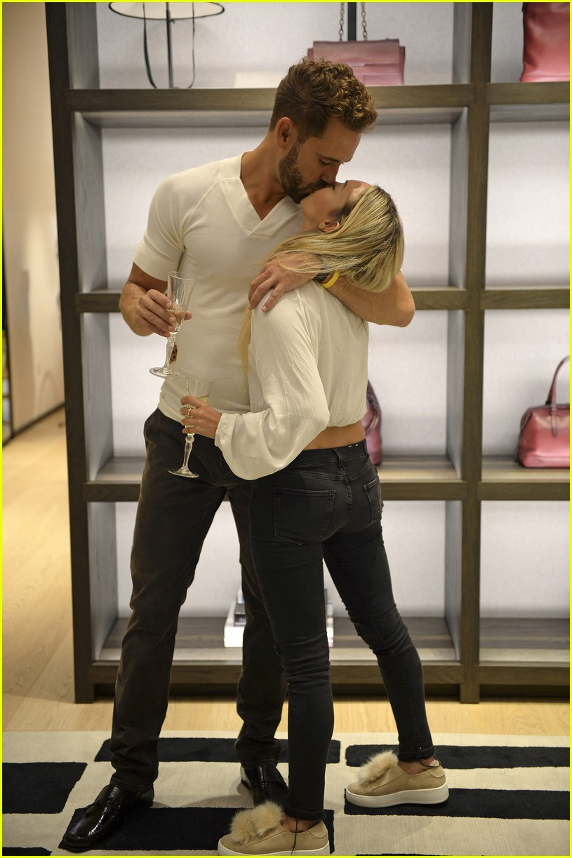 posts bachelor nick viall corinne olympios hooked photos spoilers finale
