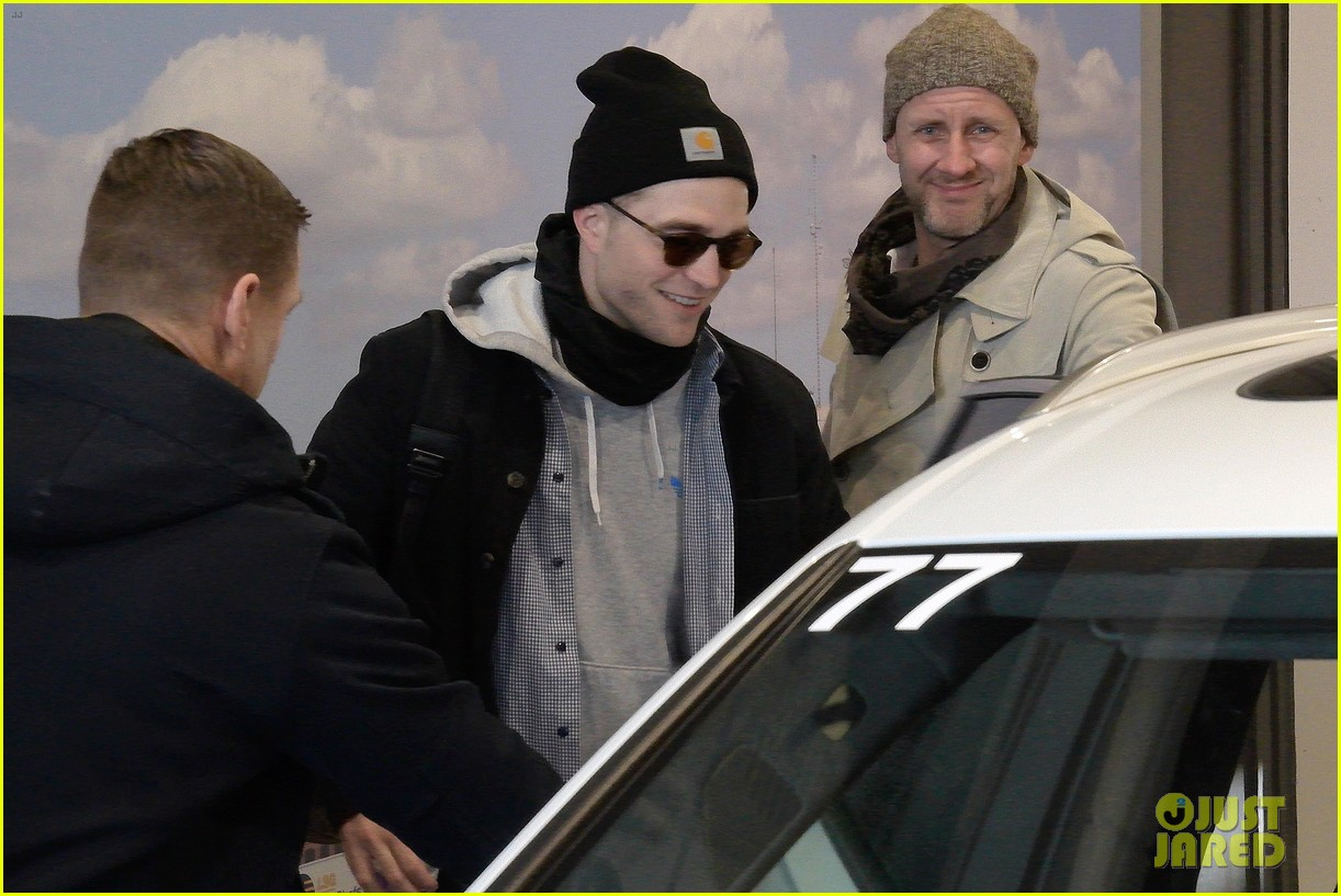 robert pattinson tom holland head to berlin 013859303