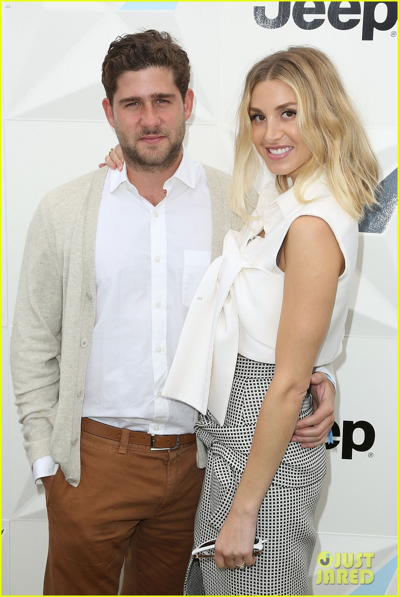 whitney port is pregnant see her baby bump photo 013856222