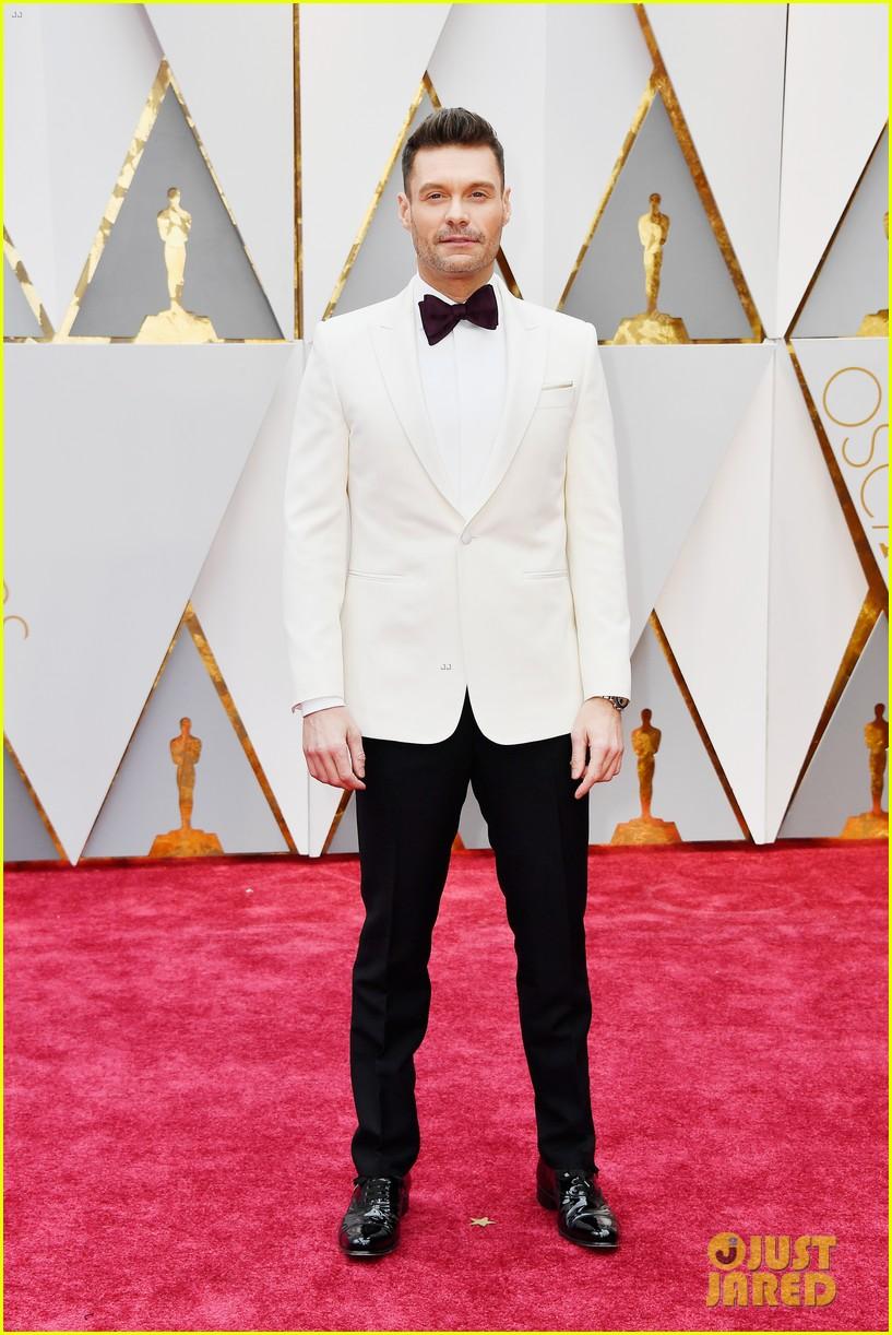 Ryan Seacrest & Giuliana Rancic Kick Off Oscars 2017 Red ...
