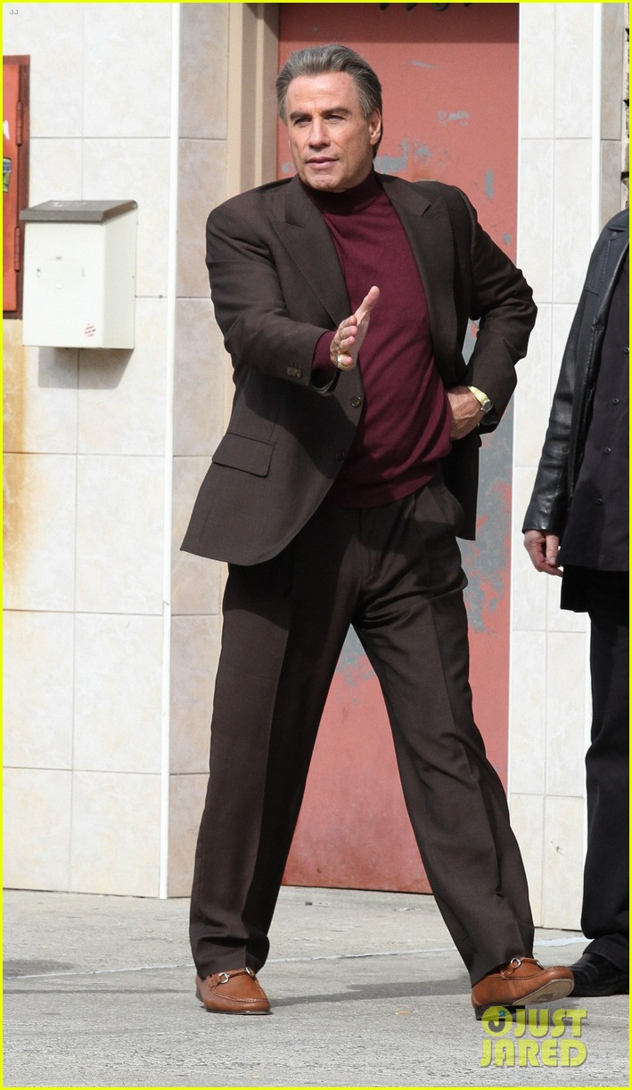 john travolta gets into character filming john gotti 113863555