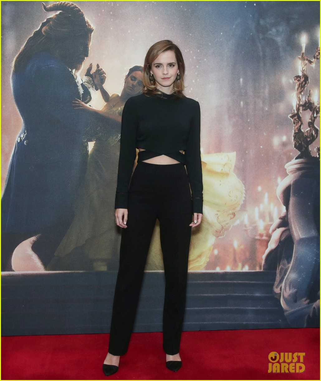 emma watson beauty and the beast london photo call 043865125